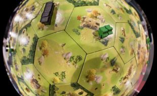 meeple-war-globe